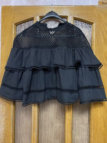 Продам много разгых вещей футболки,платье,ветровка,блузка,джинсы