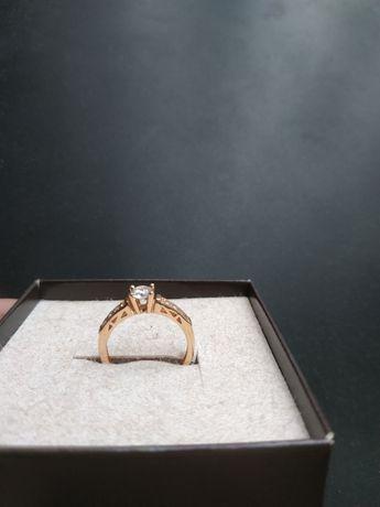 Перстень золотий  Жіночий