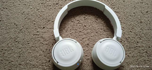 JBL T450BT uszkodzone