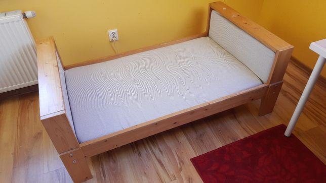 """sosnowe łóżko dziecięce """"rozsnące"""" Vikare Ikea"""