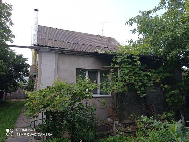 Продаж житлового будиноку, з господарськими будівлями та спорудами