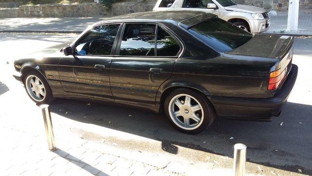 Продам BMW 520Е34 1994 года выпуска
