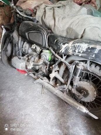 Мотоцикл КМЗ Днепр МТ