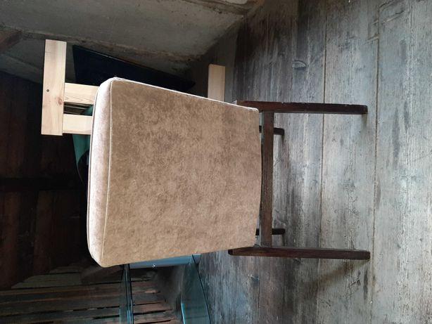 4 krzesła do sprzedania odbiór osobisty