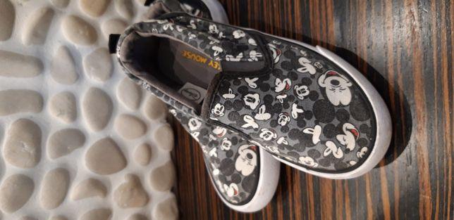 H&m Mickey mouse kapcie trampki sneakersy  rozmiar 27
