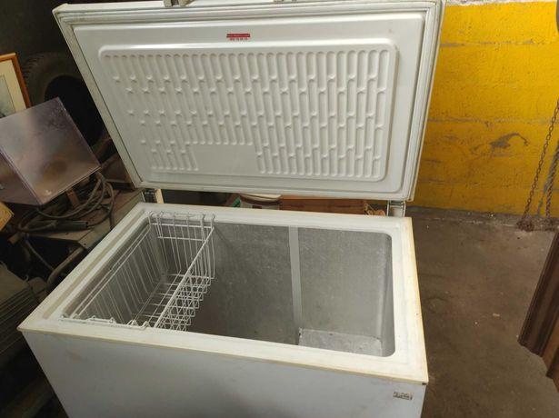 Arca frigorífica antiga