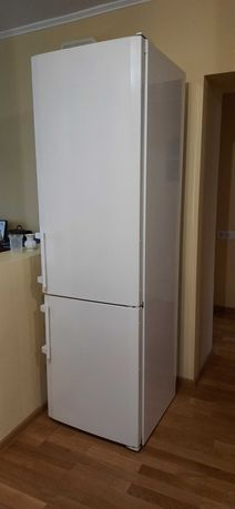 Холодильник Liebherr CN 4003 б/в