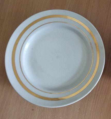 Тарелки мелкие посуда ложки вилки