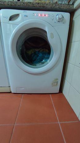 Máquina Lavar Roupa 7Kg