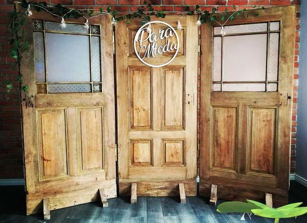 FOTOŚCIANKA na wesele –ścianka za Parą Młodą – stare drzwi, HITweselny