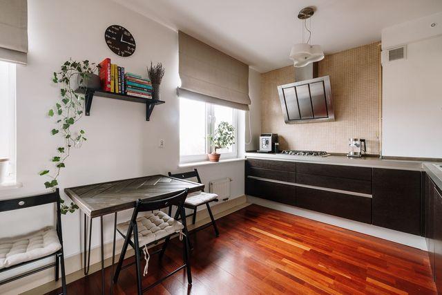 Dwupoziomowe mieszkanie 82,5 m2, parking w cenie