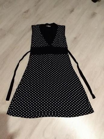 Sukienka w kolorze czarnym w białe groszki wiązana dla nastolatki 158
