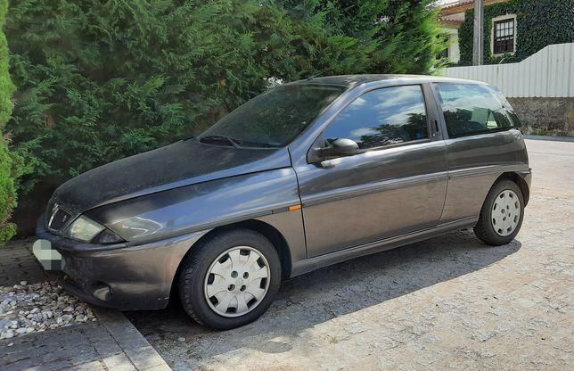 Lancia Y (negociável)