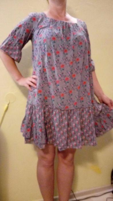Sukienka w kwiaty M firmy Units