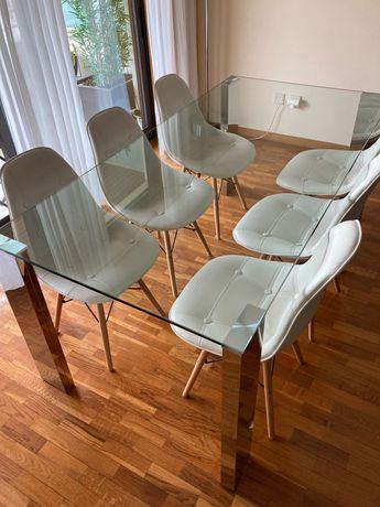 Mesa e cadeiras de jantar