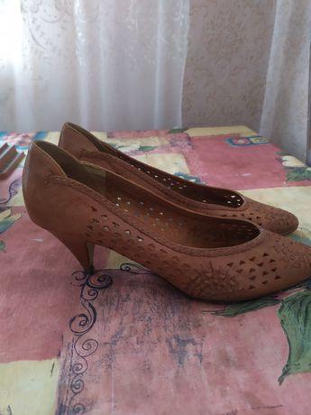 Женские туфли лодочки. Кожа 40р