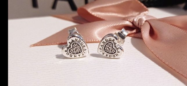 Kolczyki sztyfty Pandora serca cyrkonie logo srebro S925 ALE