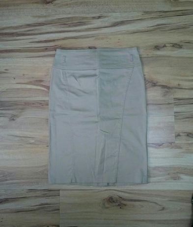 81. Spódnica ołówkowa marki Camaieu
