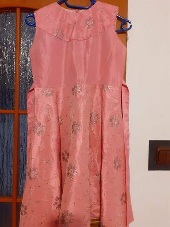 Sukienka z narzutka 140cm dla dziewczynki