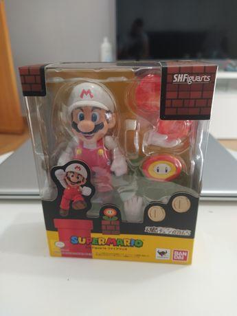 S. H. Figuarts super Mario e bardock