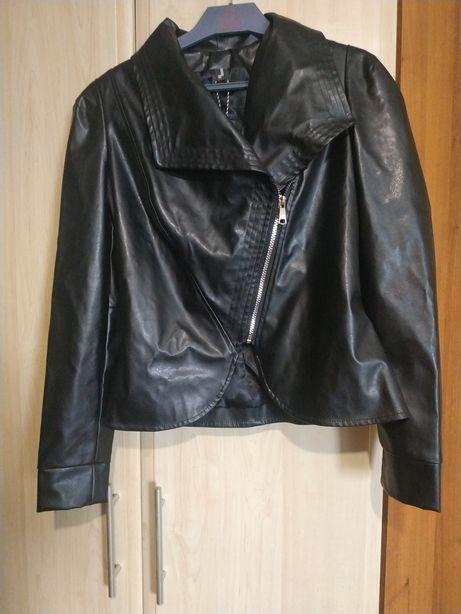 Куртка с кожзама. Размер 38.