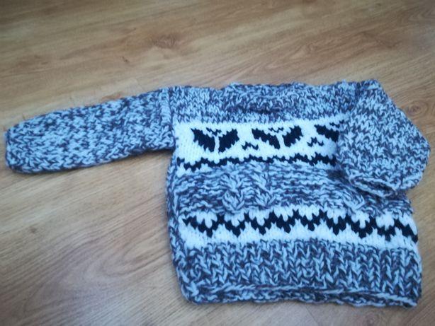 Sweterek nowy na ok. 2 latka swiateczny