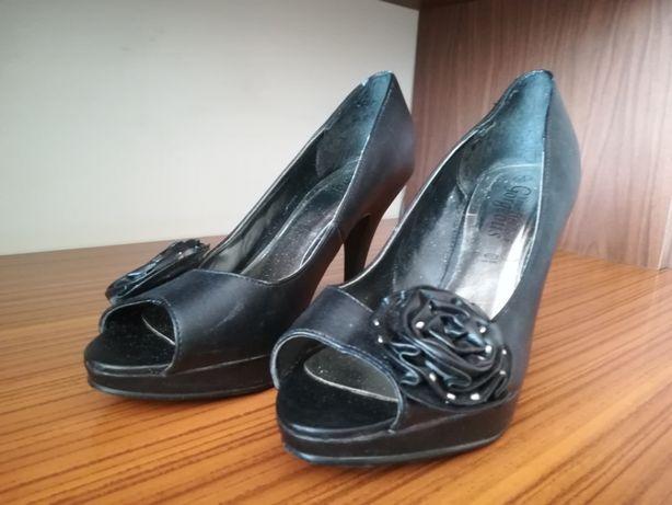 Buty czarne. Rozmiar 37.