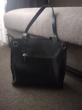 Жіноча чорна сумка з екошкіри
