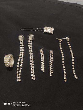 Komplet biżuterii z cyrkonii.
