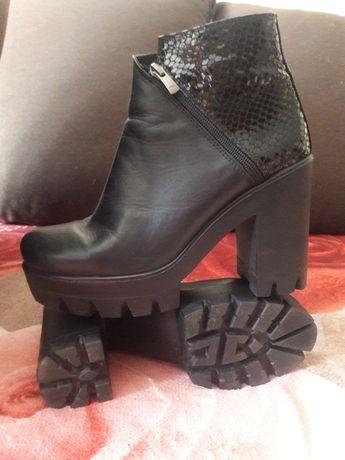 Черевики, сапоги, чоботи, сапожки