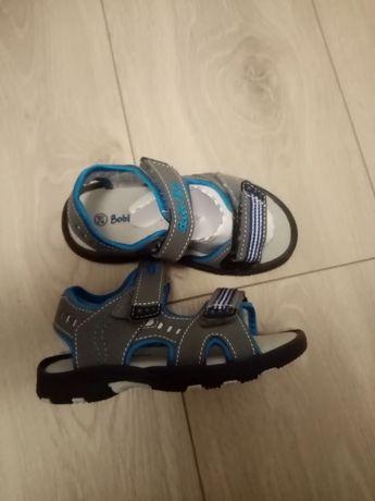 Sandałki dla chłopca.