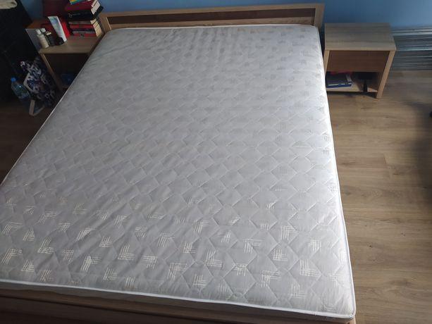 Komplet do sypialni szafa, łóżko z materacem, szafki nocne