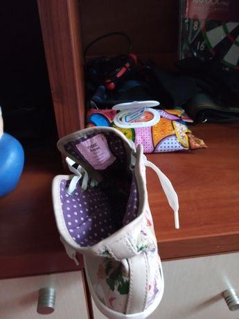 Женская обувь кеды