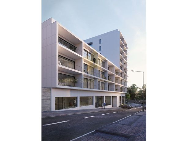 Apartamento T3 com 154 m² de área útil com box para 2 via...