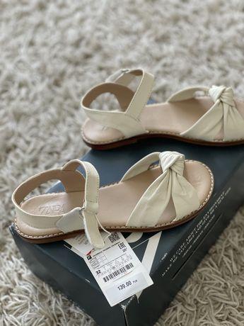 Взуття Шкіряні босоніжки Zara
