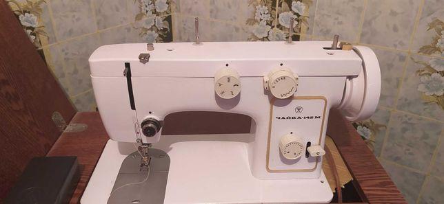 Швейная машинка *Чайка*-142 м