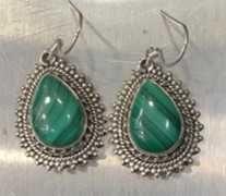 Brincos em prata com Malaquita