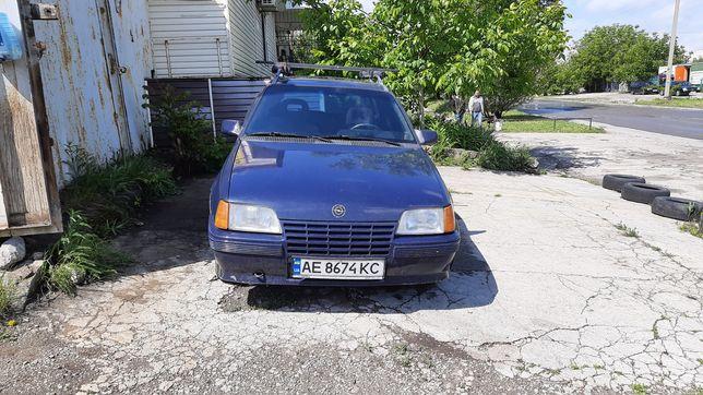 Opel kadet caravan 1.3