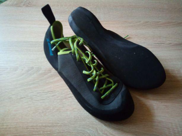 Buty wspinaczkowe r.44 raz użyte Simond Decathlon