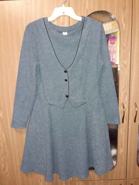 Теплое платье 44-48размер