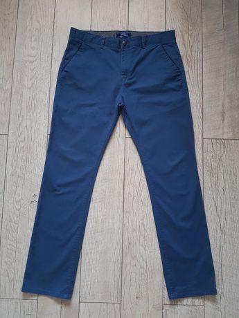 Spodnie męskie chinosy Discrete rozm. 36/32