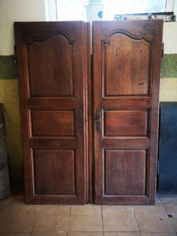 Stare zabytkowe drzwi z Francji od szafy