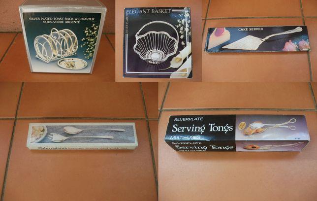 Utensílios em casquinha de prata com caixa desde
