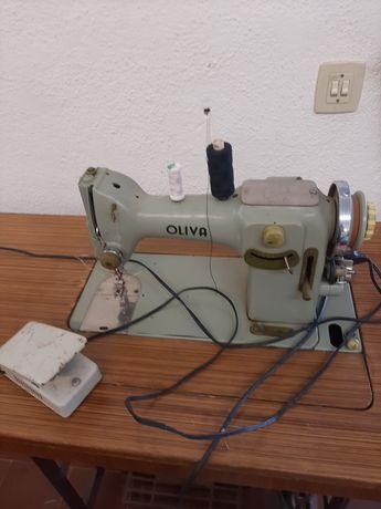 Maquina costura Oliva