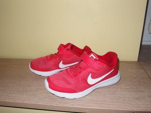 Nike Revolution 3 czerwone dziecięce buty sportowe chłopięce rzepy 32