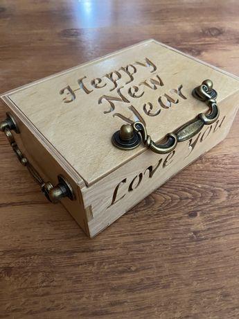 Шкатулка ручной работы под заказ , подарочная коробочка