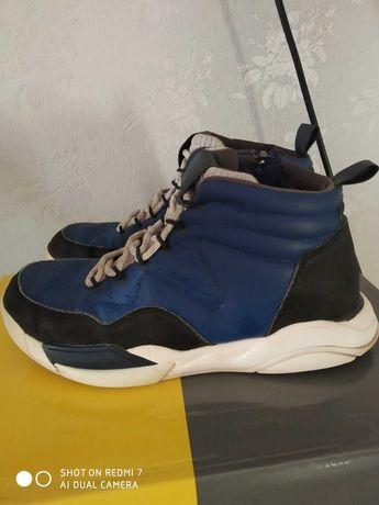 Деми хайтопы осенние подростковые 23.5 см. ботинки кроссовки  Zara
