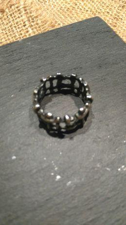 rękodzieło, pierścionek, mocno oksydowane srebro, rozmiar 19
