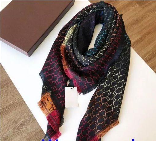 Дизайнерский платок палантин 140 на 140