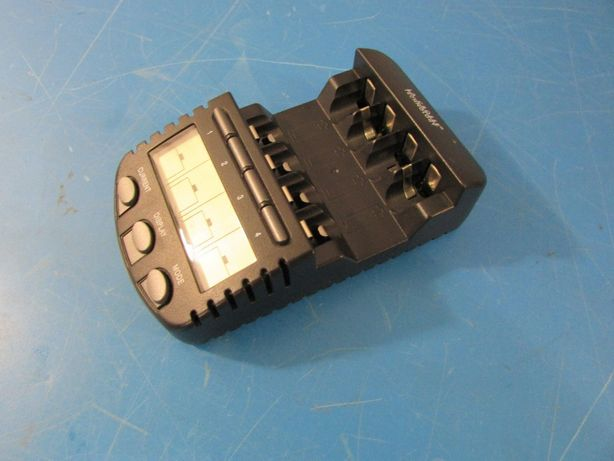 Зарядное устройство Techno Line BC700